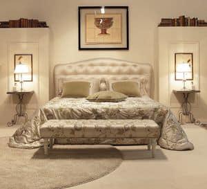Victoria, Elegante letto con testiera capitonné