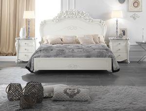 Viola letto, Elegante letto intagliato