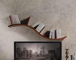 LB29 Onda libreria, Mensola in noce canaletto, linea sinuosa