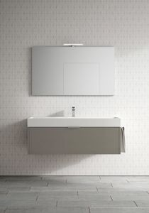 Basic comp.03, Capiente mobile da bagno, con ampio lavabo