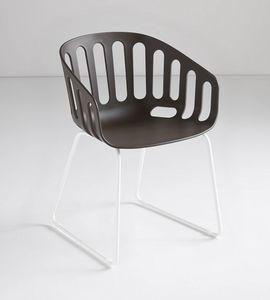 Basket Chair ST, Poltroncina con base a slitta, in tecnopolimero