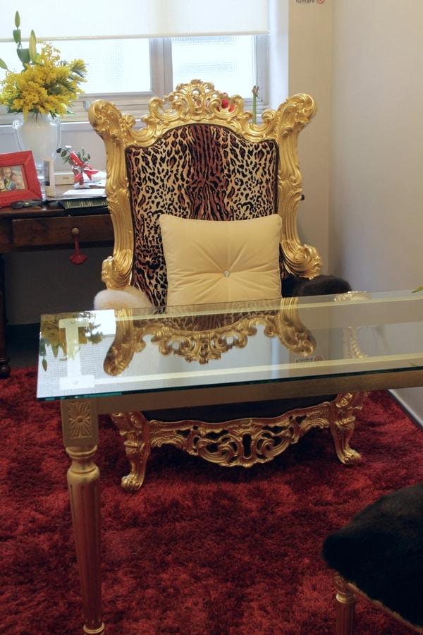 Finlandia trono animalier, Trono in stile barocco