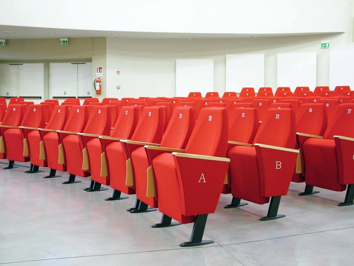 Gonzaga G, Poltrone con sedili ribaltabili adatte per sale congressi