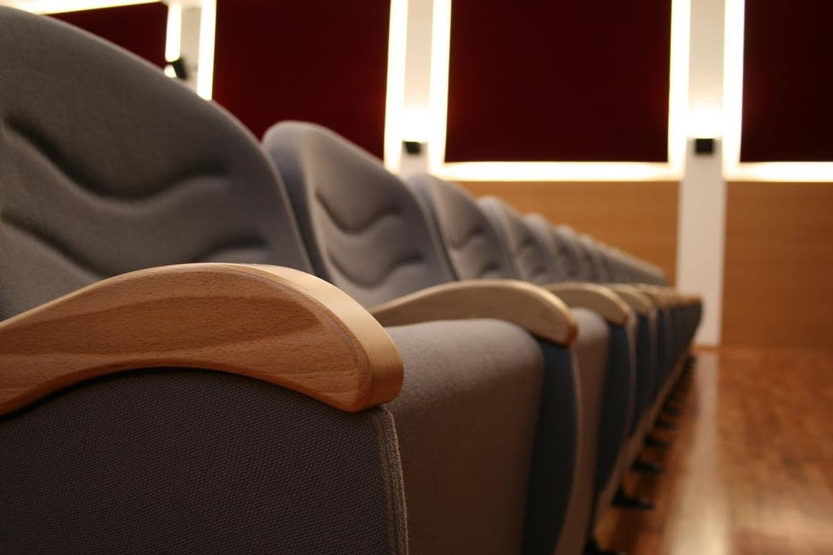 Simplex 2, Poltrone ignifughe componibili per sale teatro e congresso