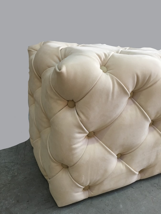 Myfair pouf, Pouf capitonné, realizzabile su misura