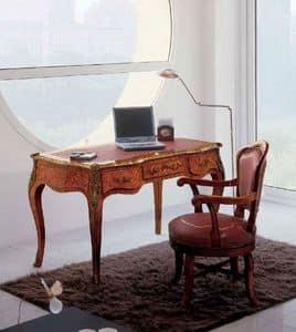 Art. 438, Scrivania con finiture di pregio ideale per uffici classici