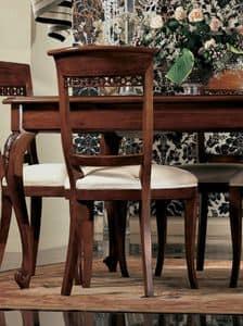 Settecento sedia, Sedia imbottita, in noce massello, lucidata, classica