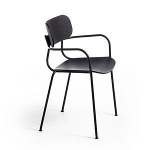 Kiyumi Wood AR, Sedia con braccioli, impilabile