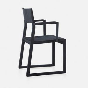 Sciza armchair, Sedia in legno massello, con braccioli