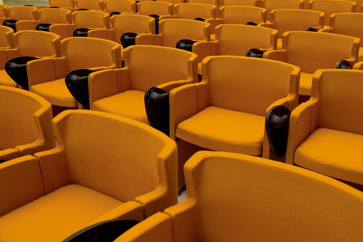 UF 147, Poltroncina salvaspazio per auditorium