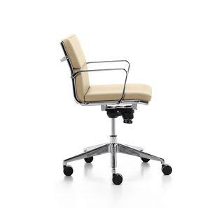 Aalborg Soft 02, Sedia direzionale con meccanismo oscillante, per ufficio