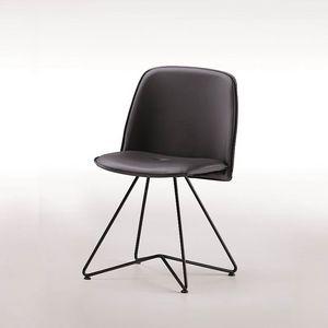 Molly-X, Sedia con gambe in metallo