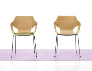 Spark Wood 01, Sedia con base in acciaio e scocca in legno, per conferenze