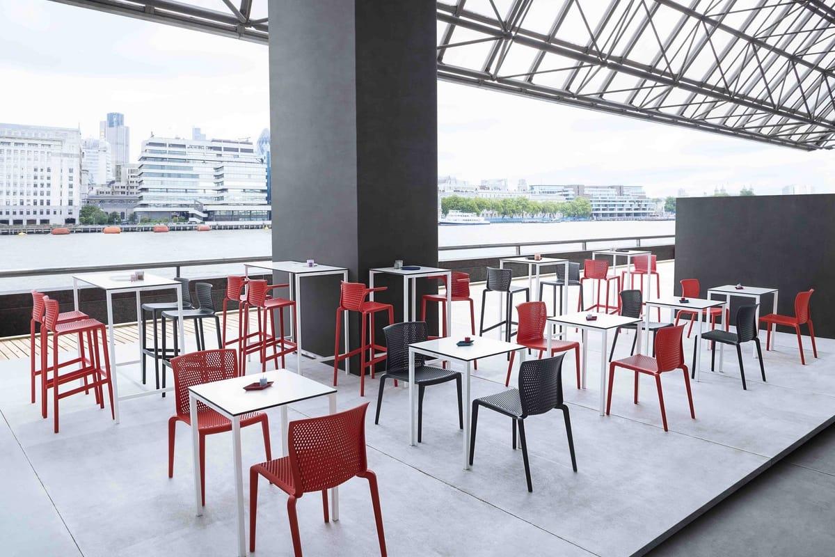 Spyker, Sedia impilabile in plastica per bar e ristoranti