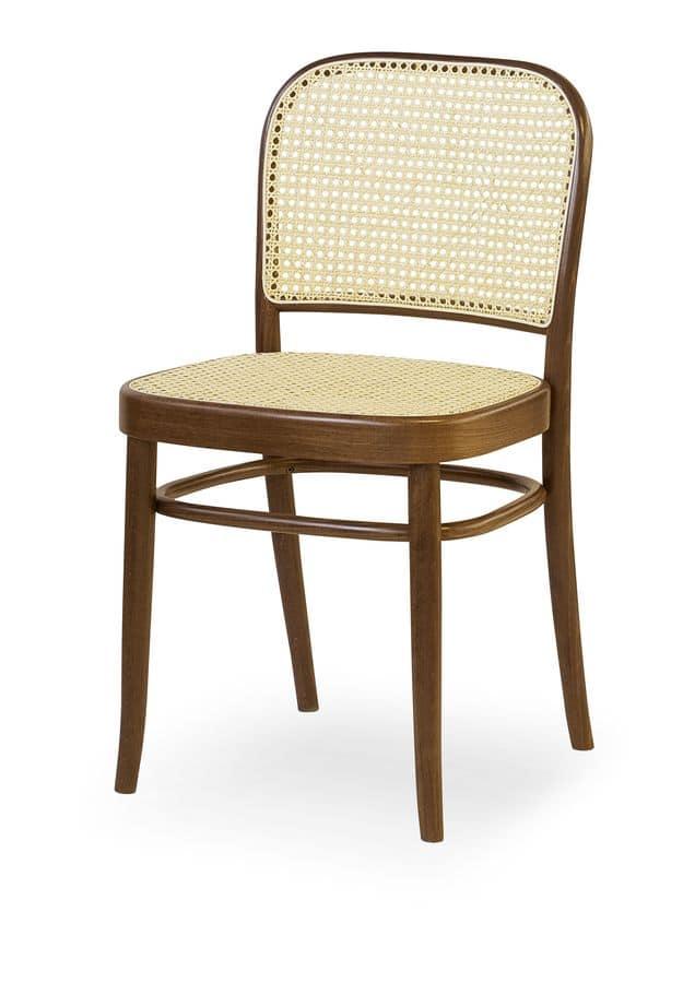 06, Sedia in legno con seduta e schienale in canna