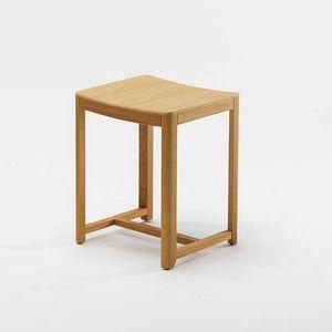 Seleri stool, Sgabello basso in legno