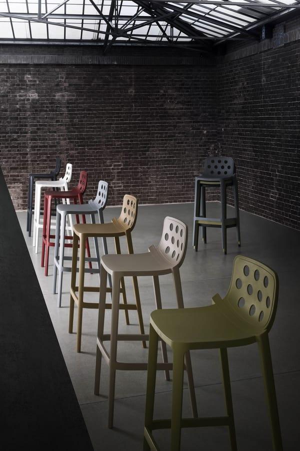 Isidoro 66, Sgabello impilabile in polimero, per bar e alberghi
