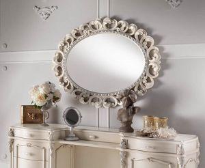 Chippendale specchiera ovale laccata, Specchiera con cornice finemente intagliata