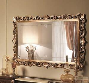 Sinfonia specchiera oro, Specchiera intarsiata in foglia oro, in stile seicentesco