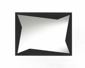 Flash, Specchio decorativo con inserti in lamiera