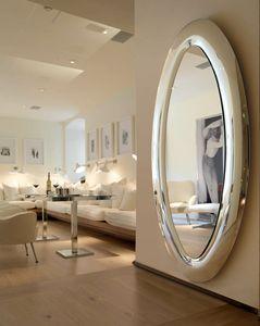 Mind 389, Specchio ovale con cornice bombata