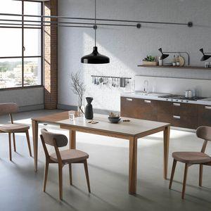 Vigo, Tavolo essenziale e versatile