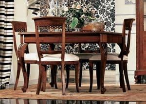Settecento tavolo quadrato, Tavolo allungabile in noce, con lavorazioni artigianali