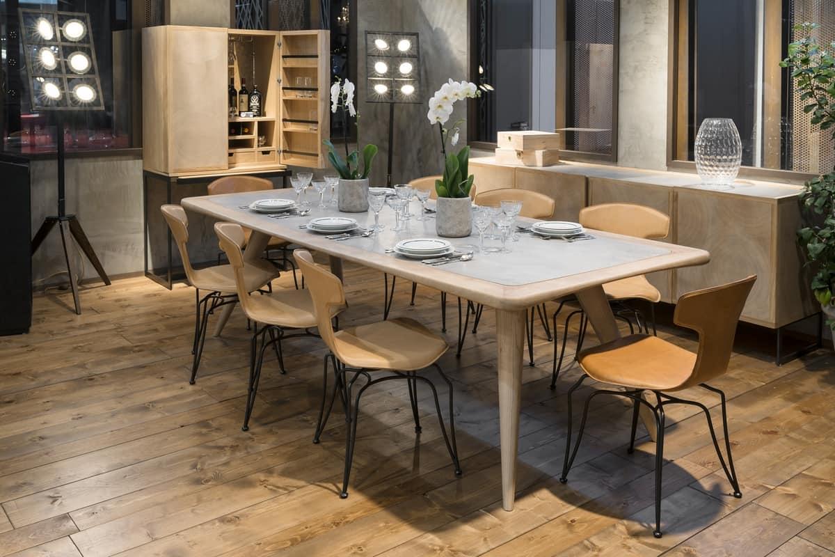 Tavolo in legno naturale, con piano in cemento ...