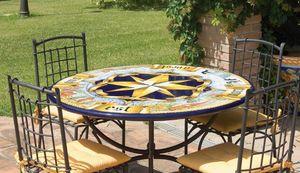 Rosa dei Venti antica, Tavolo da giardino o per ambienti classici