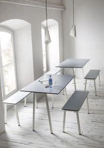 Format, Tavolo con struttura in metallo, piano in laminato