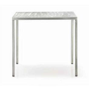 Fabbrico, Tavolo in metallo, utilizzabile anche all'esterno