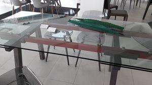 Tracks, Tavolo outlet, con piano allungabile in vetro trasparente