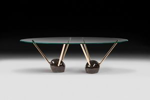 Rays, Tavolo con piano ovale bisellato