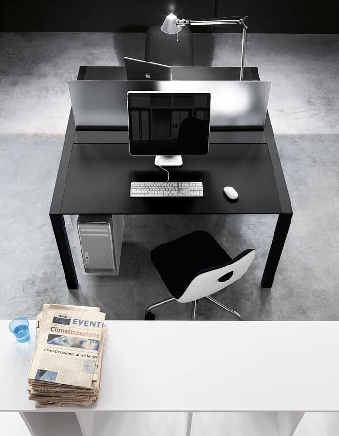 Tavolo Con Accessori Per Ufficio Con Divisori E Passacavi Idfdesign