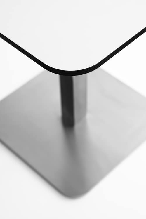 Voilà square h110, Tavolino alto da cocktail bar, piano in stratificato hpl, base in metallo