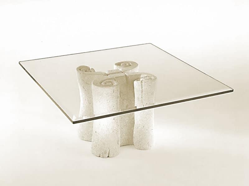 Pergamena, Tavolino con piano quadrato in vetro, base in pietra