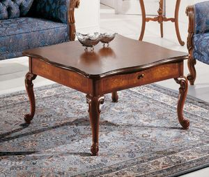 Art. 3590, Tavolino in legno, stile Luigi XV