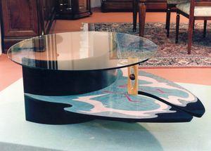 Art. 235, Tavolino policromo con piano in cristallo