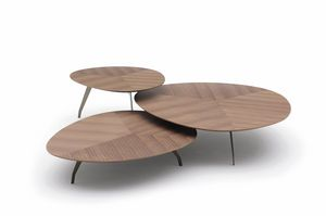 Island, Tavolini dalle forme armoniose
