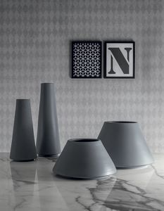 GRUPPO VULCANO, Vasi in ceramica