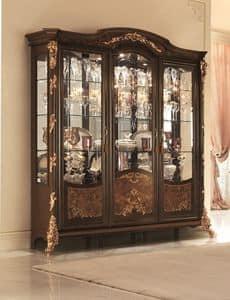 Sinfonia vetrina, Vetrina con vetri molati, decorazioni in foglia d'oro