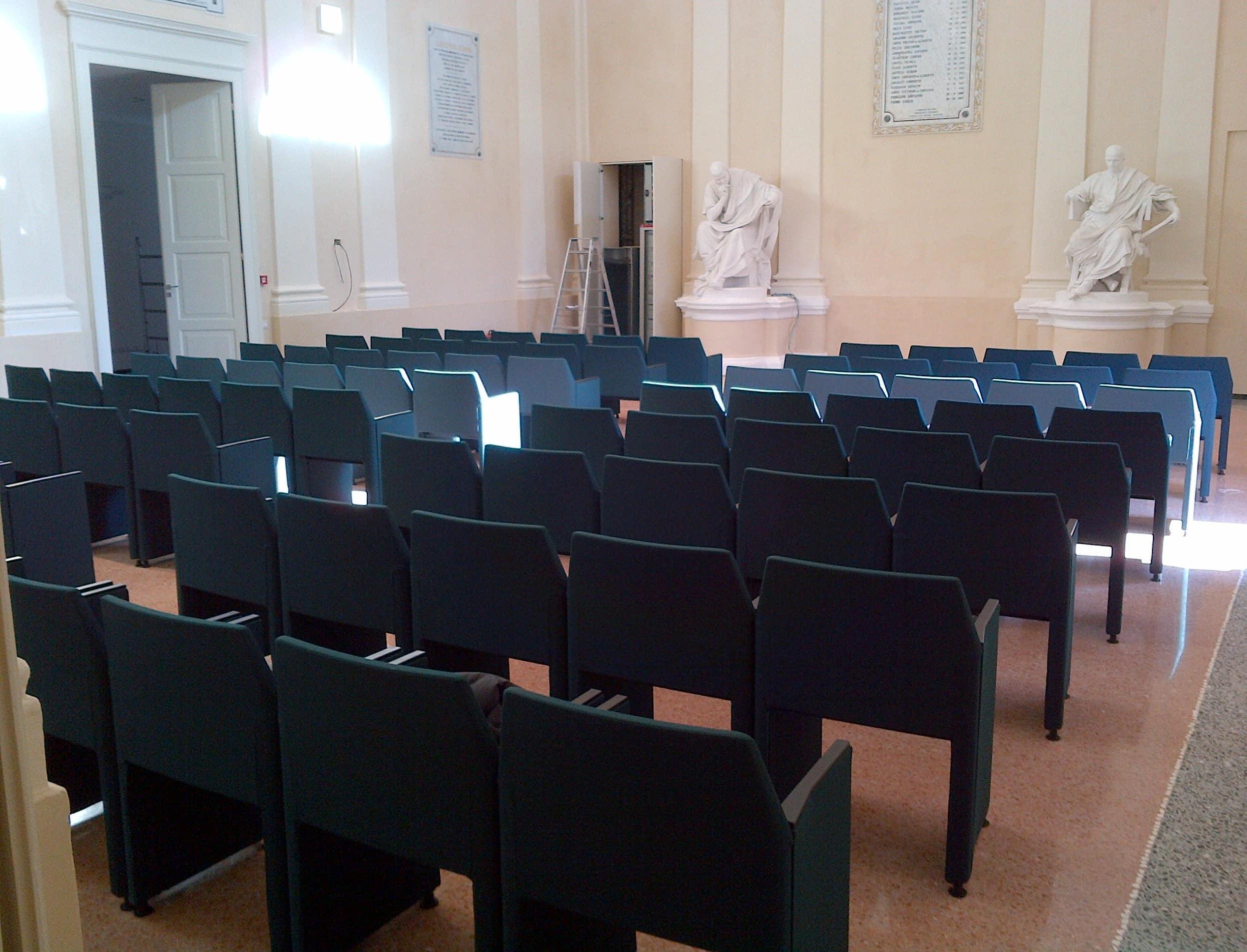 La sala conferenze del Comune di Cesena